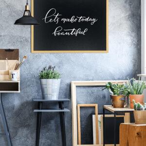 hellbraune Kreidetafel mit Rahmen und beschriftbarer Kreidetafel Fläche, Kreidetafel mit Holzrahmen 70x90cm zum Aufhängen an der Wand