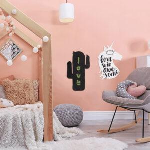 Kaktus Kreidetafel ohne Rahmen aufgehängt im Kinderzimmer, Kreidetafel ohne Rahmen in Kaktusform für Zuhause für Erinnerungen und Notizen