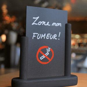 Holz Tischaufsteller Kreidetafel Schwarz beschriftet mit Kreidemarker Rauchen Verboten
