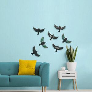 Kreidetafeln 3D Vogelform Silhouette aufgehängt im Wohnzimmer als Deko und beschriftet mit farbigen Kreidemarker