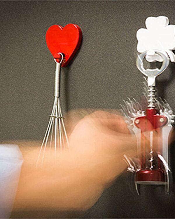 Aufhängehacken Herzform magnetisch rot für Küchenutensilien
