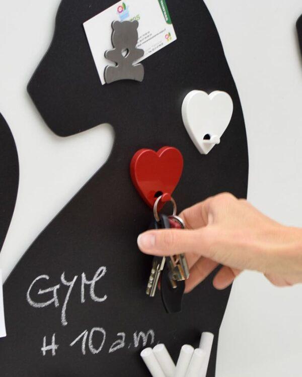 Aufhängehacken magnetisch Herzform rot als Schlüsselanhänger für Magnettafel